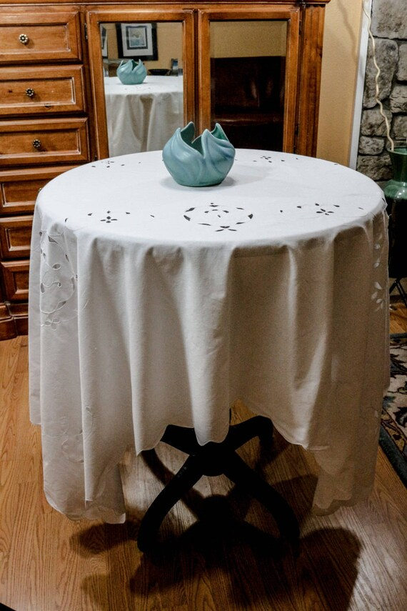 White Table Cloth, White Work Cut Work, Cotton Twin Bed Coverlet, French Country Cottage Chic, Weddings, 59 by 77 Inches, Vintage Linens
