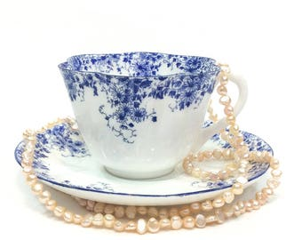 Shelley Dainty Blue Tea Cup & Saucer, Petite Blue Daisy Flowers, English Bone China, High Tea 1940s 1960s Vintage Estate Tea Cup