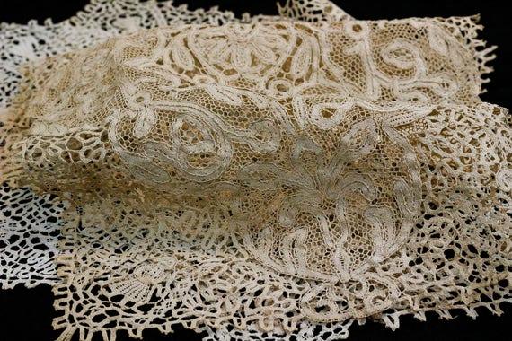 Antique Lace Place Mats Napkin Set, Hand Made Figural Tape & Needle Lace, Three Mats Four Napkins, Estate Antique Italian Linens