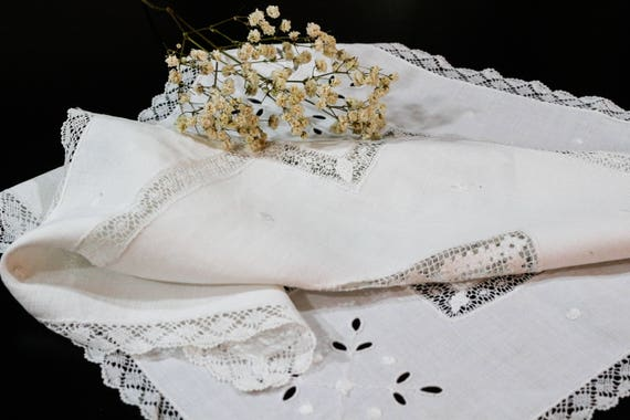 White Linen & Lace Small Tablecloth Centerpiece, Filet Lace Inserts, Bobbin Lace Edging, White Embroidery, Cottage Style, Antique Linens