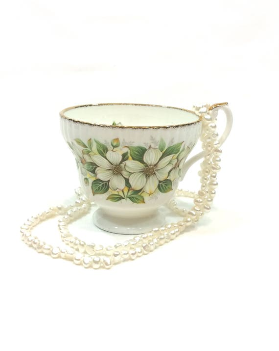 English Tea Cup, Dogwood Flowers & Leaves, Ribbed Bone China, Gilded Rims, Shabby Chic Decor, Vintage Royal Minister Orphan Teacup