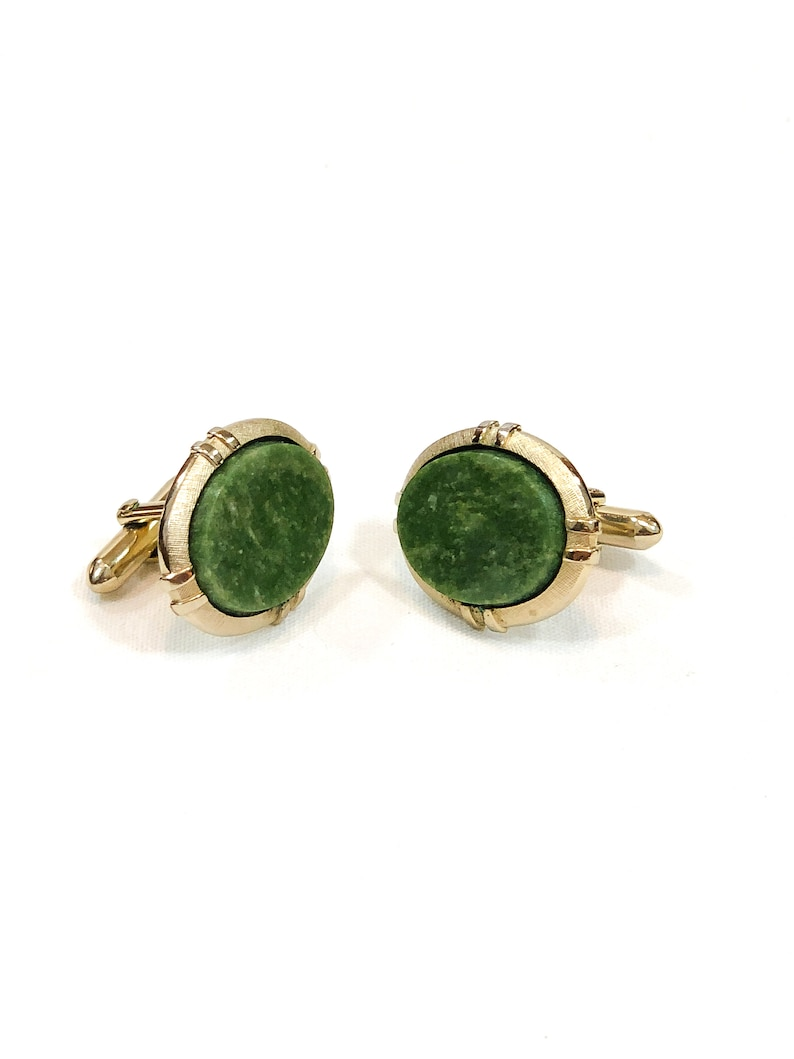 Art Deco Styling Large Oval Cufflinks Weddings Occasion 1960s Vintage Men/'s Statement Jewelry Brushed Goldtone Green Quartz