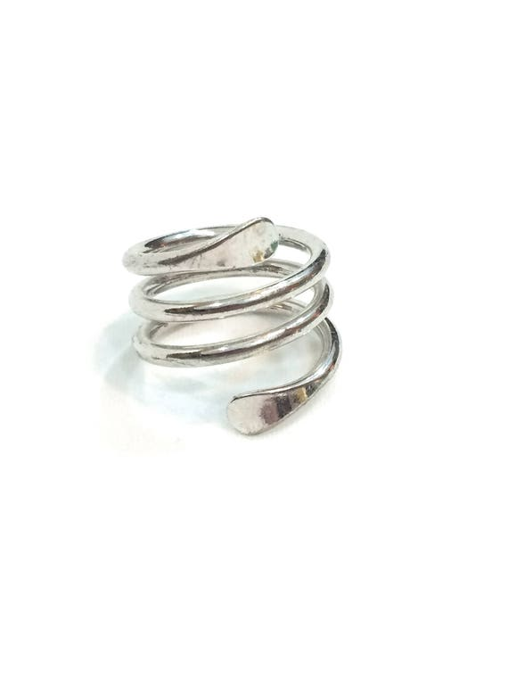 Contemporary Silver Swirl Ring, Tall Coiled Bypass Ring, Rhodium Silver, Size 7, 1990s, Boho Modernist Jewelry, Vintage