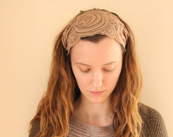 Stretchy Swirly Lace Headcovering