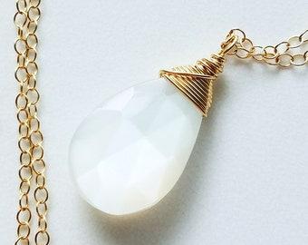 White Moonstone Necklace, 14k Gold Filled Necklace, Moonstone Necklace, Small Moonstone Necklace, White Moonstone Pendant