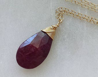 Ruby Necklace, 14k Gold Rudy Necklace, Red Ruby Pendant, Gold Pendant, Genuine Ruby Gemstone, July Birthstone Necklace, Ruby Jewelry