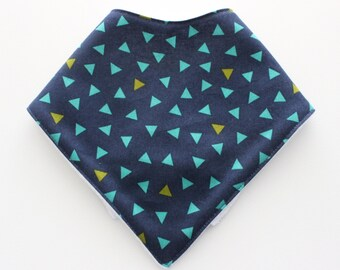 baby bandana bib ~ dribble bib, baby bibdana, scattered triangles in navy