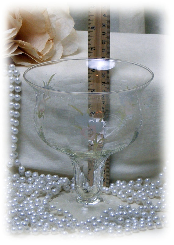 LARGE BEAUTIFUL GOBLET . . . Very Vintage . . Etched Glass