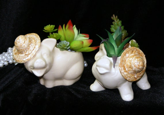 Adorable PIGGY PAIR Tiny Treasure