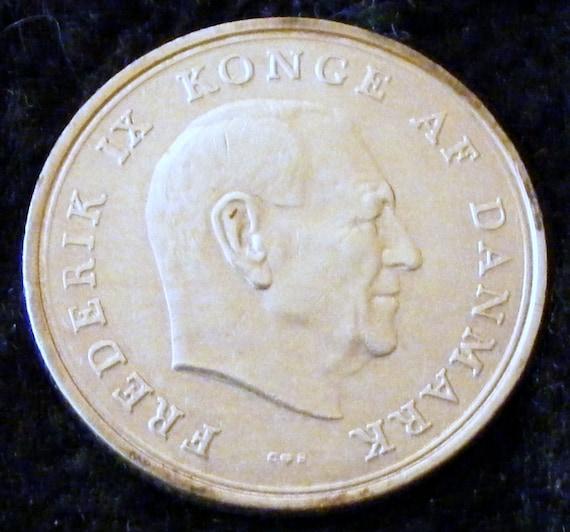 1964 1 KRONE PIECE . . Great Investment . .