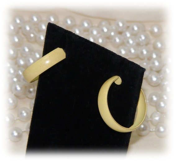 LIGHT YELLOW HOOP Earrings
