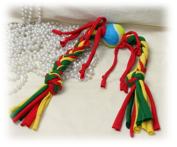 TUG BALL TOY . . . DT211