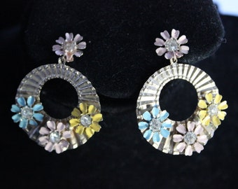 Floral dangle earrings with rhinestones - Unsigned