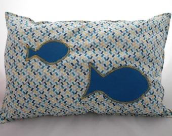 Coussin004 - Coussin bleu et jaune et ses poissons