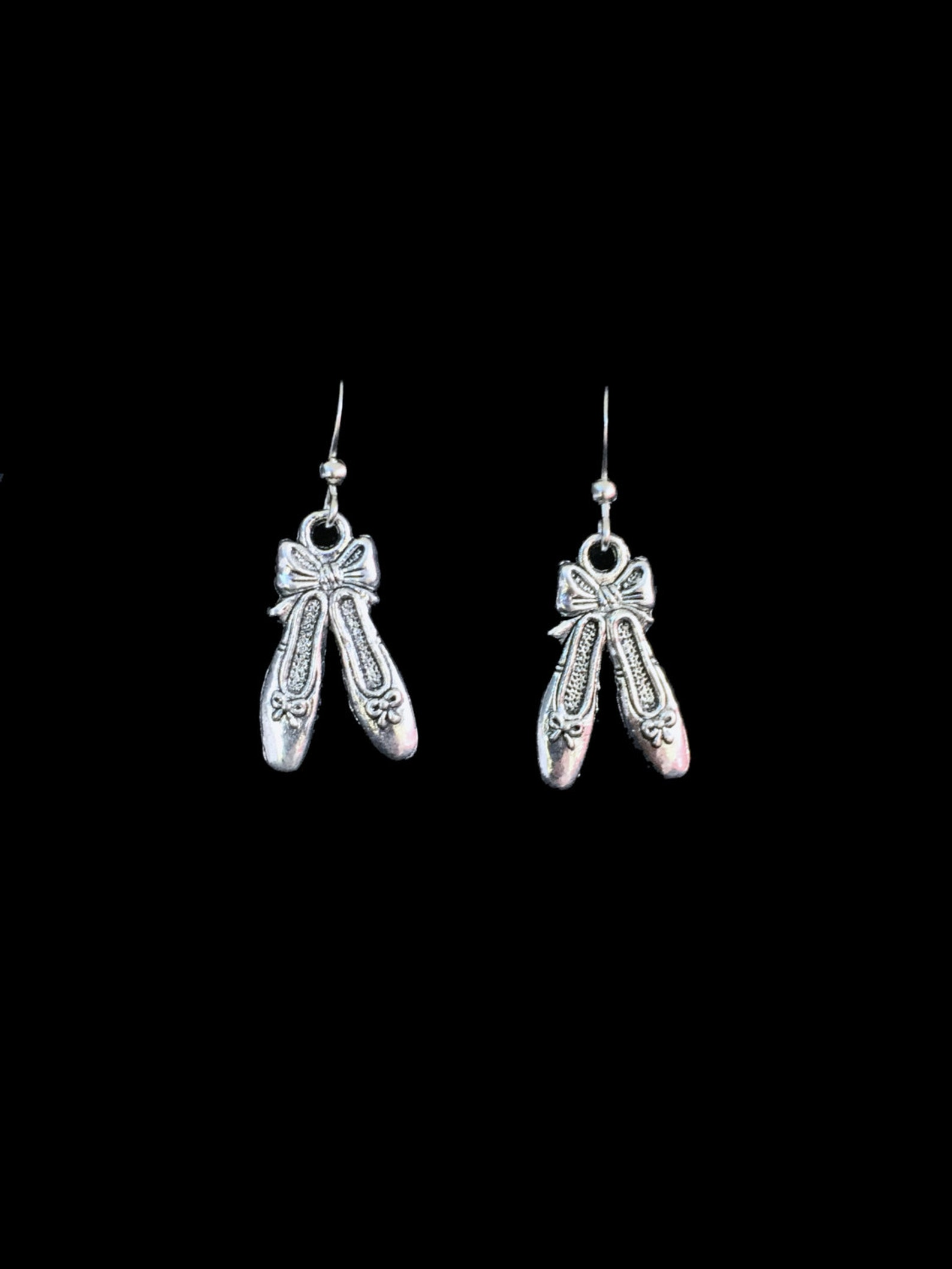 ballet slipper dangle earrings ballerina dancing shoes hook earring antique silver jewelry fashion jewelry dance jewelry dancer