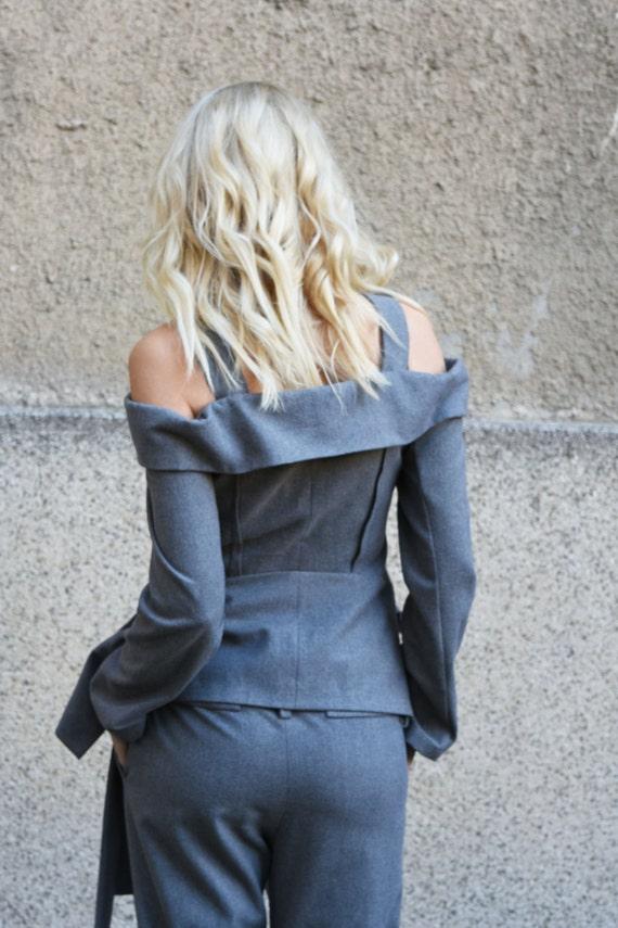 Grey Wool BlazerBusiness OutfitExtravagant BlazerOpen Shoulder JacketCasual BlazerStrip JacketOff Shoulder BlazerLined CoatF1662