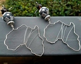 Africa Earrings- wire wrap - Silver and Black