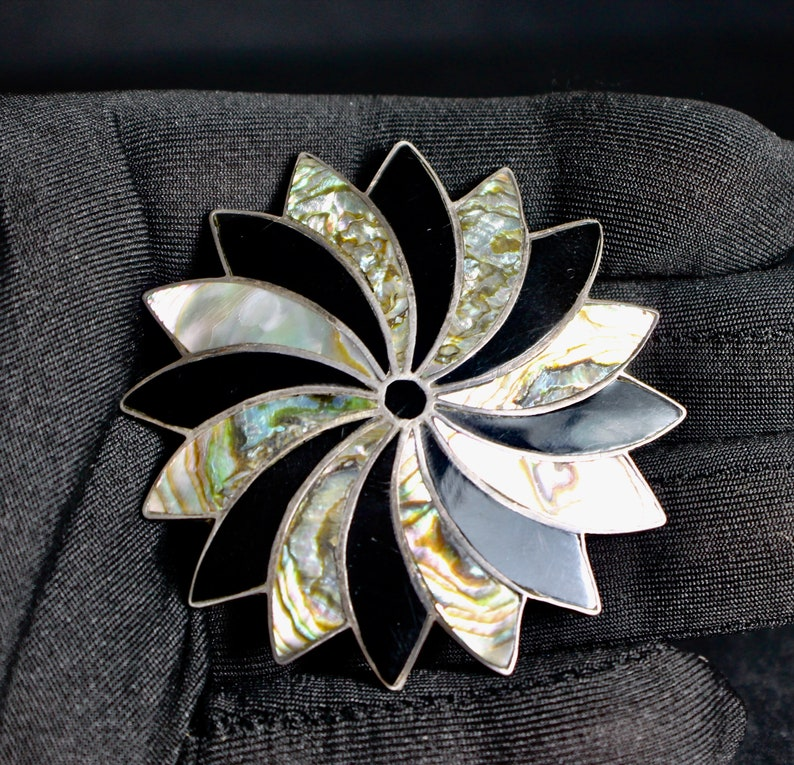Pin Sterling Silver Pendant Sterling Silver Antique  Mother of 5811 Mother of Pearl Made in Mexico Vintage Pinwheel Onyx Antique