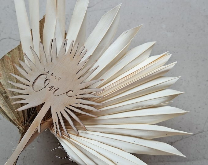 Pandanus Palm Leaf Table number