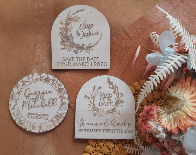 Save the date magnets. 10 pieces. Wooden magnets. Rustic. Wood etched - Flower Designs