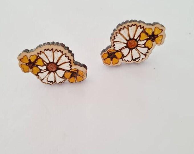 Retro Floral Earrings - Wood Earrings - 70s fashion - flower - Stud