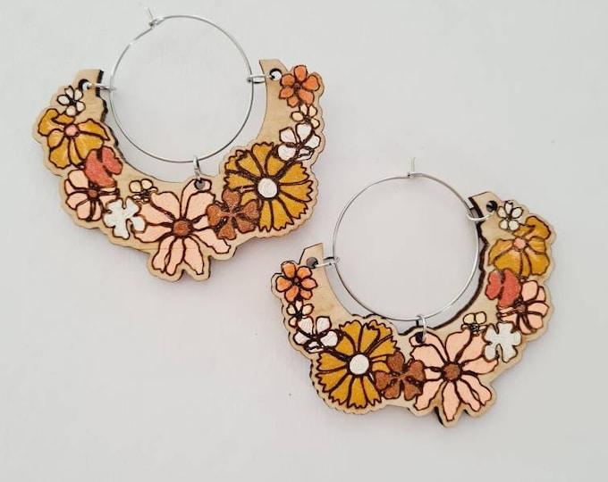 Retro Floral Earrings - Wood Earrings - 70s fashion - flower - hoop