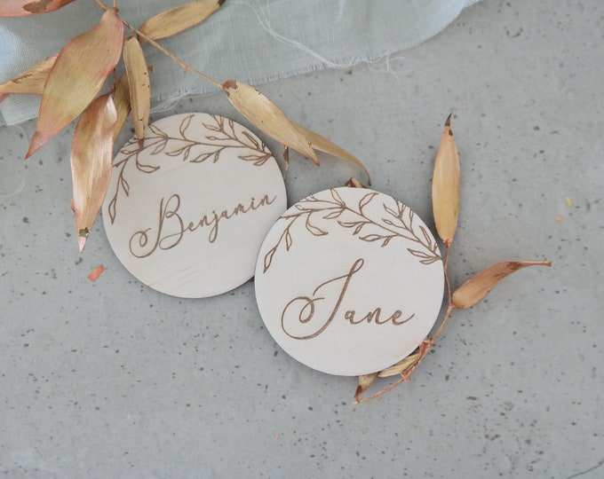 Vines Wood Place cards - Table Settings - Round