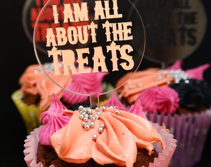 Halloween cupcake toppers, skull cake topper. Set of 6
