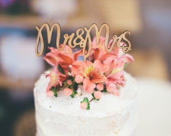 Rustic Cake topper -- Mr & Mrs Wedding Cake Topper - Raw Wood