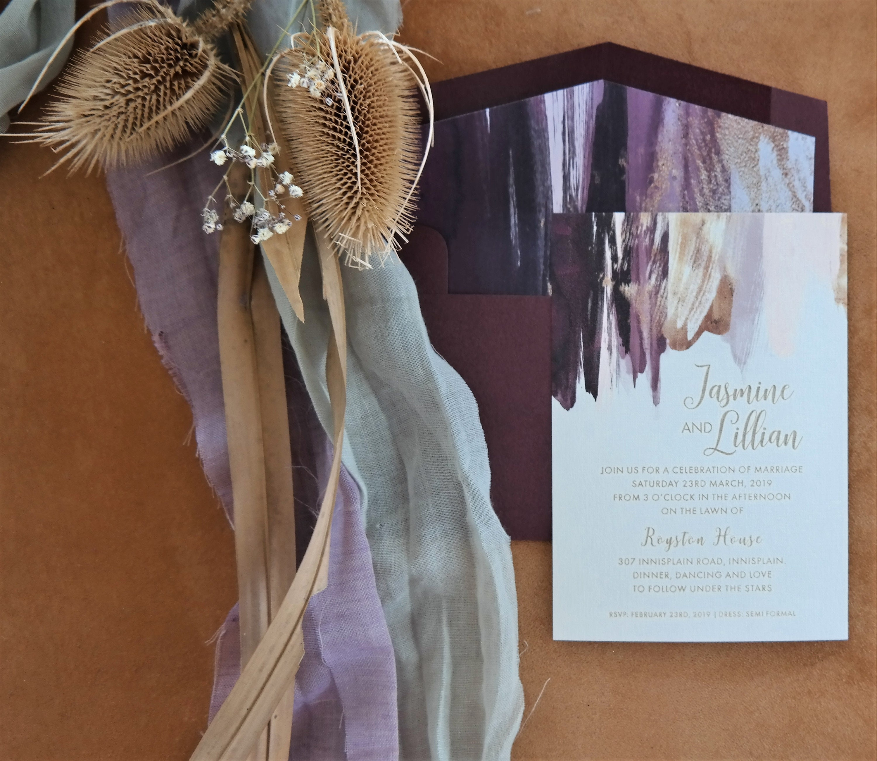 10x PERSONALISED RUSTIC FLORAL WEDDING INVITATIONS LILAC FEATHER PRINT INVITES