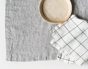 Washed large linen napkins / Set of 4, 6, 8 or 12 washed handmade linen napkins in small checks