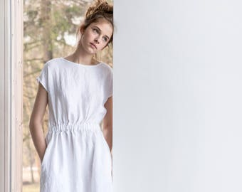 Basic linen dress with elastic waistband in white / Washed linen dress