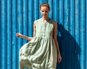 Linen loose sleeveless MAMA dress in MAXI length / Washed and soft linen dress in small checks