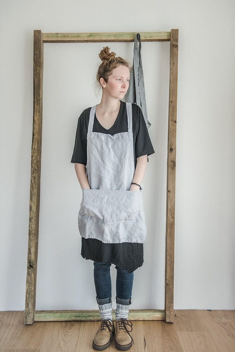Short square cross linen apron/japanese style apron. Washed image 0