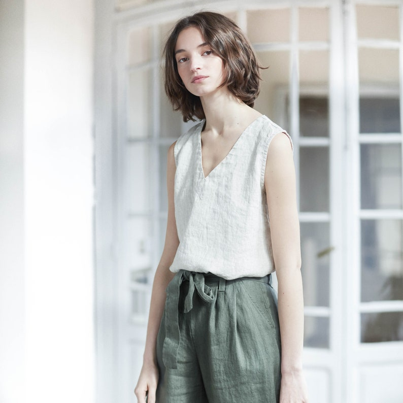 Loose pleated  front BOYFRIEND linen pants / Slightly tapered image 0