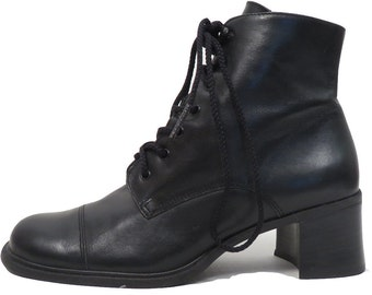 Vintage 90s Black Leather Laceup Ankle Boot Size 5.5