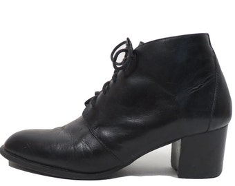 Vintage 90s Black Leather Lace Up Ankle Boots Size 7.5