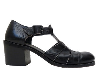 c77c4e21899e Vintage 90s Robert Clergerie Espace Chunky Heel Black Leather Sandals Size 9