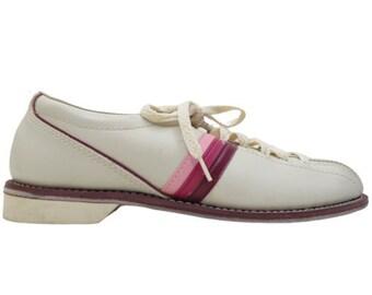 4c8631bc36c Retro bowling shoes   Etsy