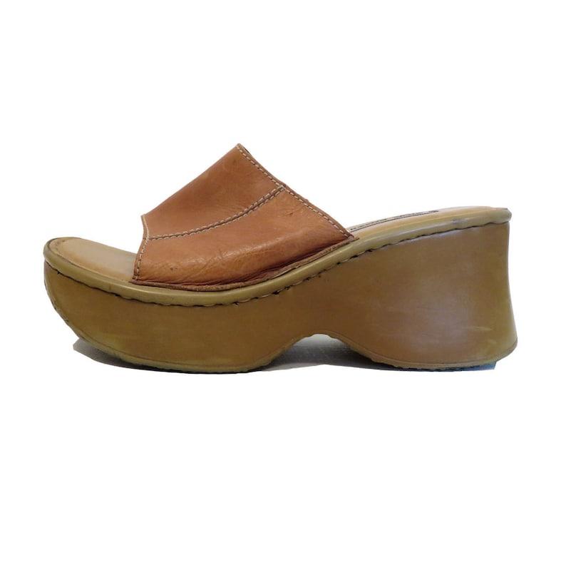 6bf0916b3bf Vintage 90s Steve Madden Khaki Leather Club Kid Platform Slip