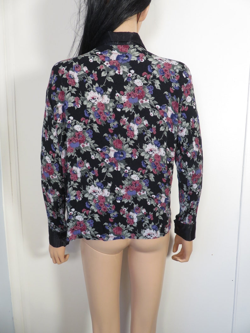 Vintage 90s Floral Blouse With Satin Collar And Cuffs Size S