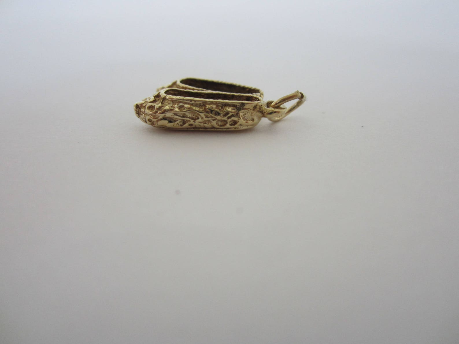 10k yellow gold ballet flat shoes, gold shoe charm, ladies flat shoe charm