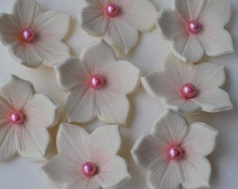 24 Handmade ivory and pink edible petunia flowers. Edible petunia sugar flowers. Ivory and pink sugar flowers. Edible wedding cake flowers.