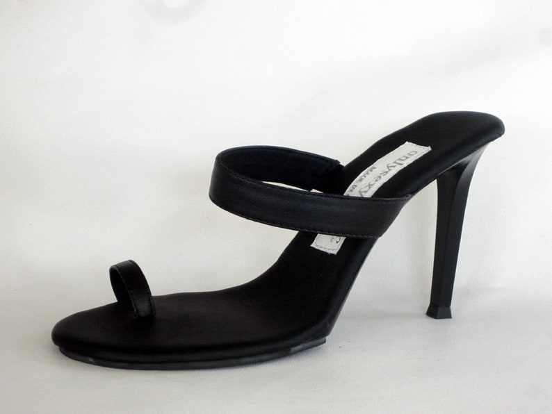 65ee3de6f53c 4 inch Black Leather Toe Ring Foot Fetish Mule High Heel Flip