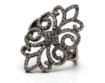 Pavé diamond filigree ring