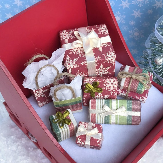 """Dollhouse Miniature Christmas Gift Box XL Holiday Presents 1"""" Scale 1:12 Rustic"""