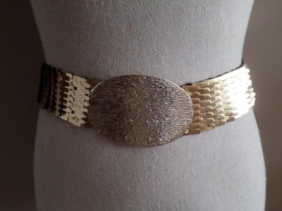 4c09bebf015 Fermoir or ceinture avec brillant doré ovale boucle fermoir