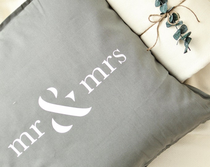 Mr & Mrs Pillowcase