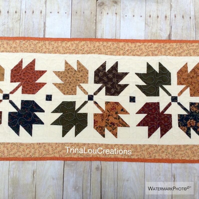 Maple Leaf, Fall Table Runner, Table Topper, Quilted Table Decor, Autumn  Table Topper, Table Linens, Fall Quilts, Table Quilt, Rustic Quilt