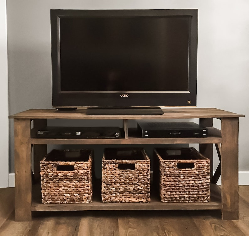 DIY Pallet Tv Stand Plans | Woodworking Plans, DIY furniture, DIY Plans,  Living Room Furniture, Farmhouse Furniture, Rustic